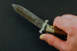 Small pocket knife with rust on it